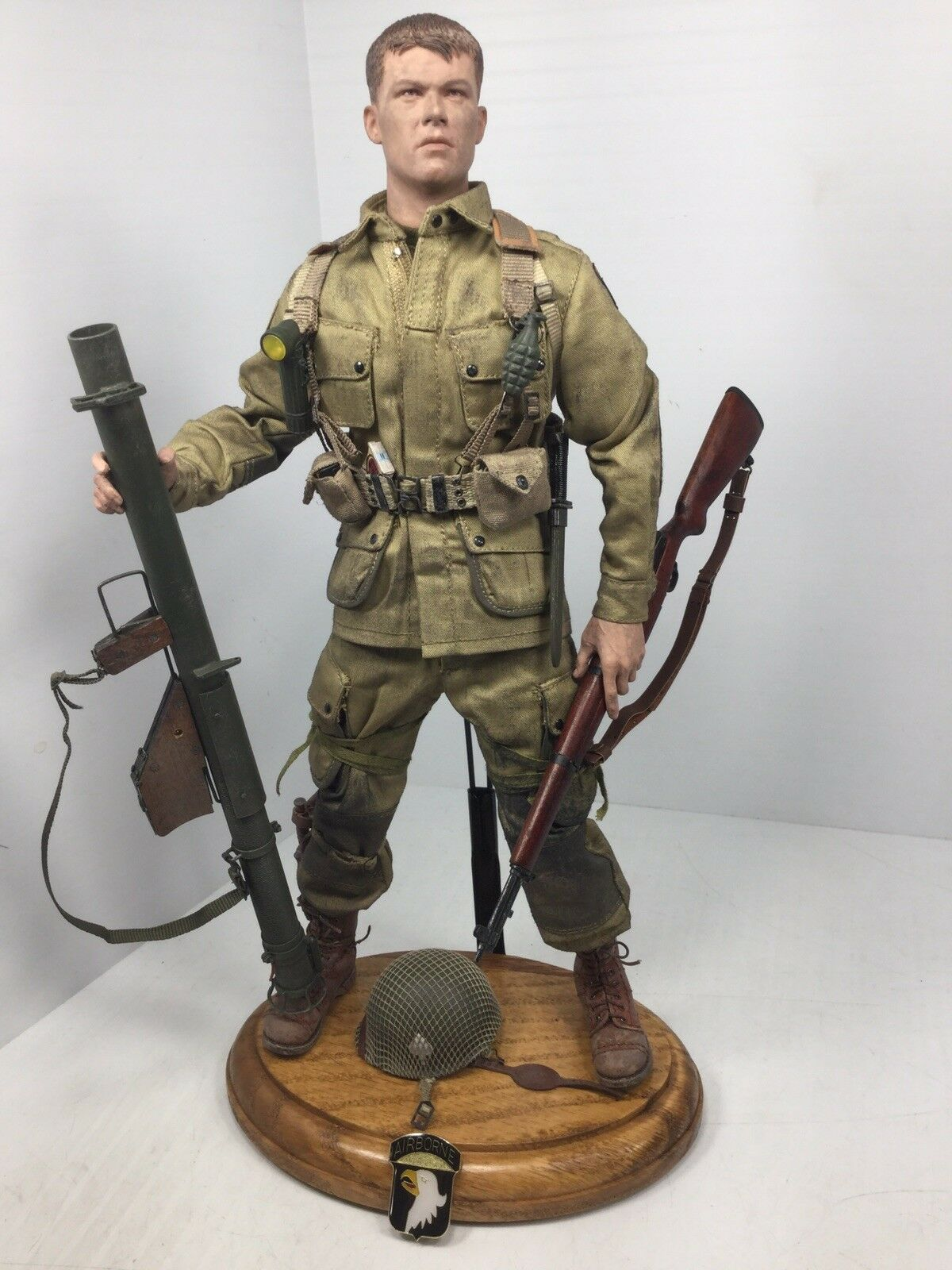 "1 6 DID 101ST AIRBORNE MATT DAMON ""SAVING PVT RYAN"" M1 BAZOOKA WW2 BBI DRAGON 21"