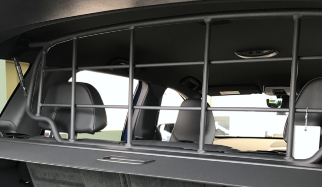 Genuine Volvo V60 2019MY- Charcoal Protective Steel Grille//Dog Guard