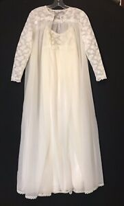 Vintage  Vanity Fair White Lace Peignoir LINGERIE Nightgown Negligee Sz 32