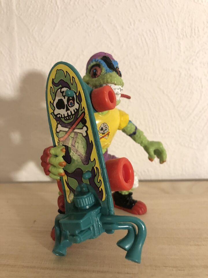 Mondo Gecko, Playmates