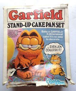 Vintage-1984-Wilton-Garfield-Stand-Up-Cake-Pan-3D-Bakeware-Pan-Set