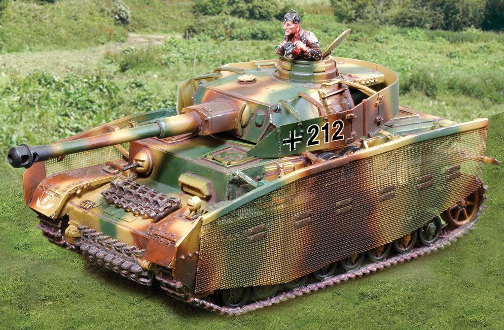 THE COLLECTORS SHOWCASE WW2 GERMAN NORMANDY CS00831 PZ. KFPW IV J TANK SET MIB