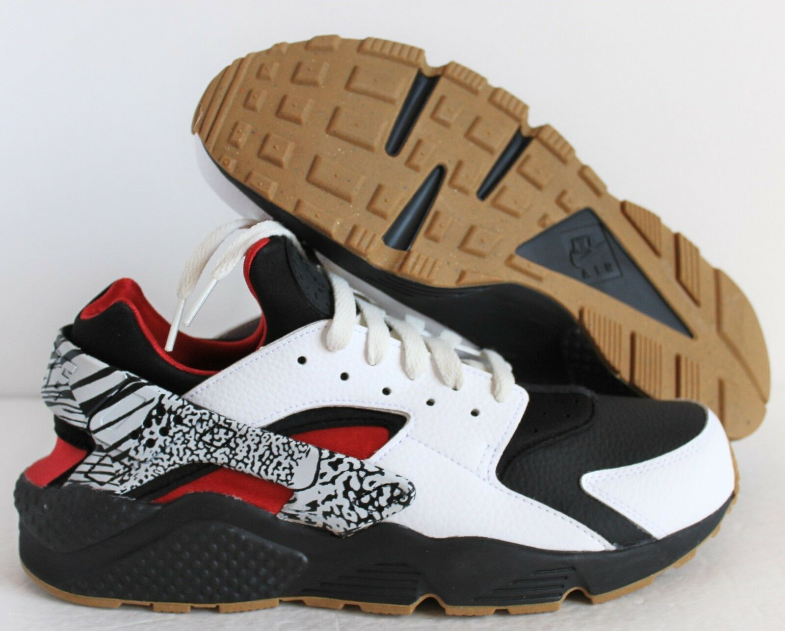 NIKE AIR HUARACHE ID BLACK-WHITE-RED WOMEN SZ 12  MEN SZ 10.5