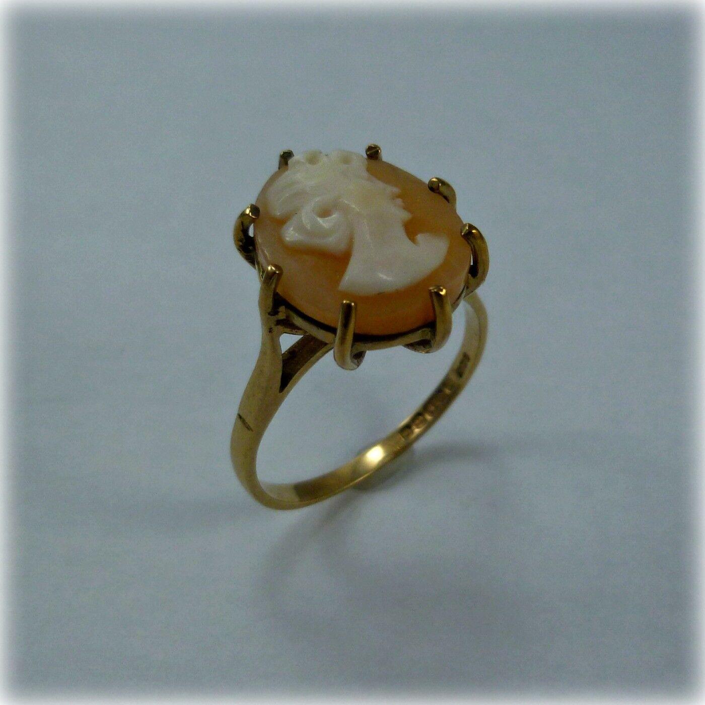 Vintage 9ct gold Cameo Dress Ring, hallmarked 1970