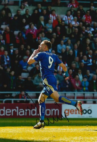 LEICESTER CITY HAND SIGNED JAMIE VARDY 12X8 PHOTO 52.