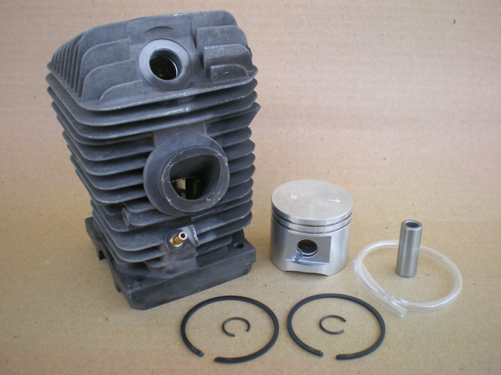 Kit de Cilindro para Stihl MS230, MS 230 C (40mm) Nikasil-Plateado [ 11230201223]
