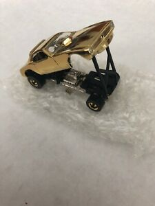 "Vintage 1969 Series HOT WHEELS MATTEL ""SNAKE"" GOLD (RARE CAR)"