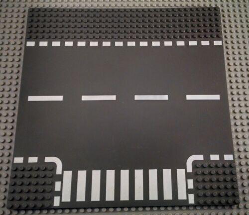 LEGO Dark Bluish Gray 32x32 10 inx10in T Intersection Lines and Crosswalk