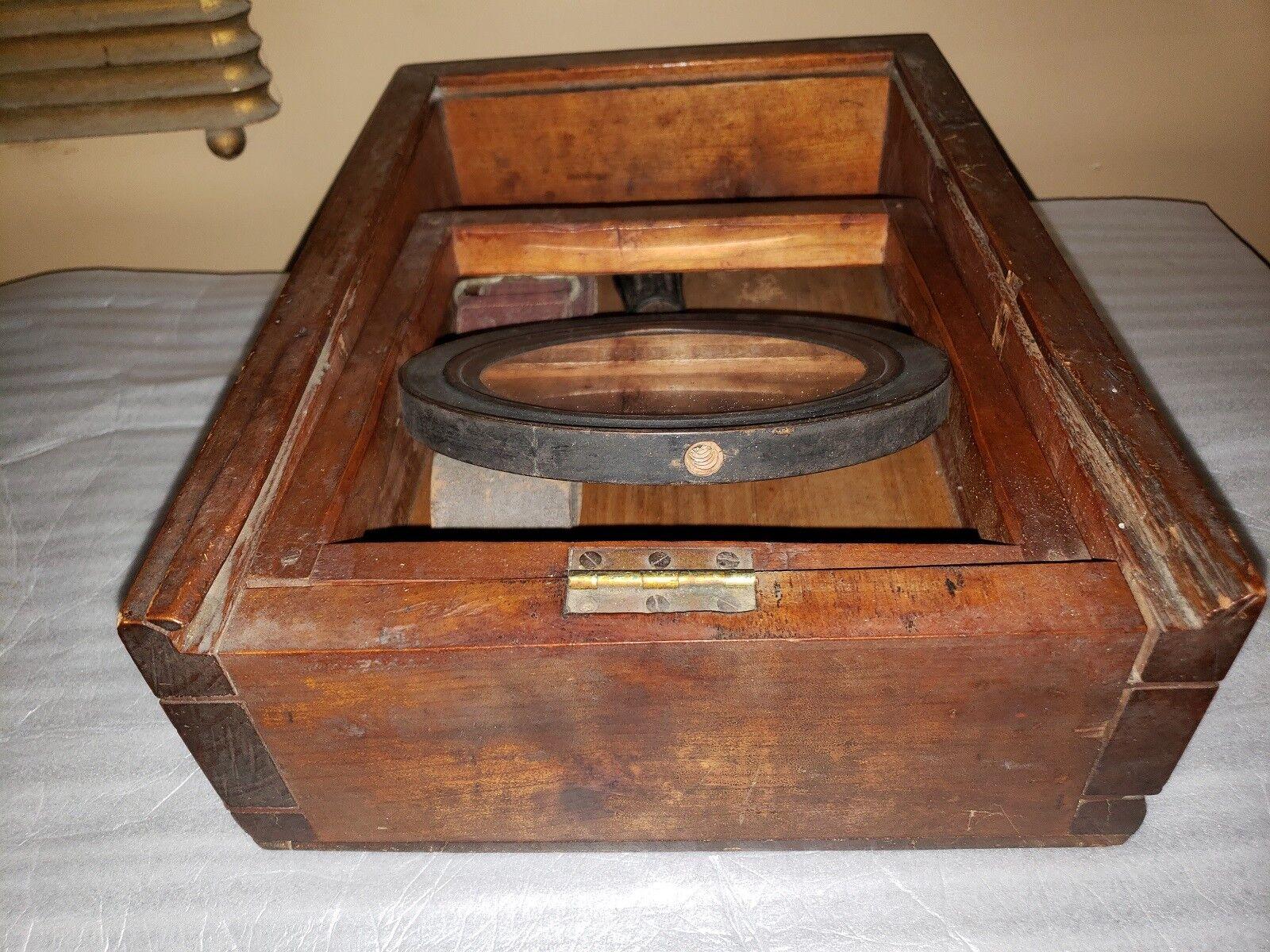 Mid 1800's He Dovetailed Cele scatola style Field Shaving scatola