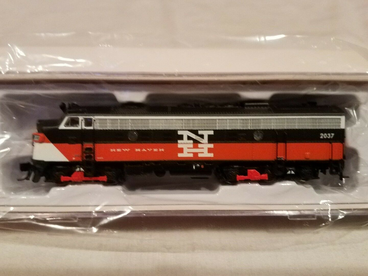 N SCALE RAPIDO TRAINS 15520 EMD FL9 NH EDER-5A  2037 DCC SOUND EQUIPPED NEW