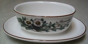 VILLEROY-amp-BOCH-Botanica-Gravy-Sauce-Boat-with-Attached-Underplate