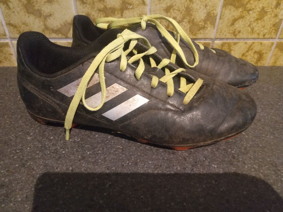 Fodboldstøvler, Adidas, str. 37