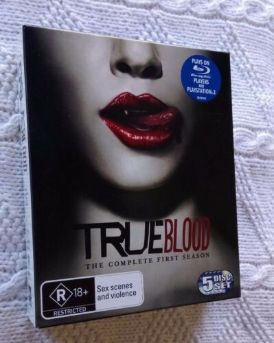 1 of 1 - TRUE BLOOD - THE COMPLETE FIRST SEASON  (BLU-RAY, 5-DISC BOX SET) LIKE NEW