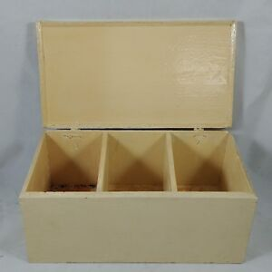 Vintage-Cream-Color-Wooden-RECIPES-Box-3-034-x-3-034-Cards-Painted-Brass-Hinges