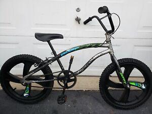 """BMX 20"""" HUFFY WARP50 BICYCLE"""