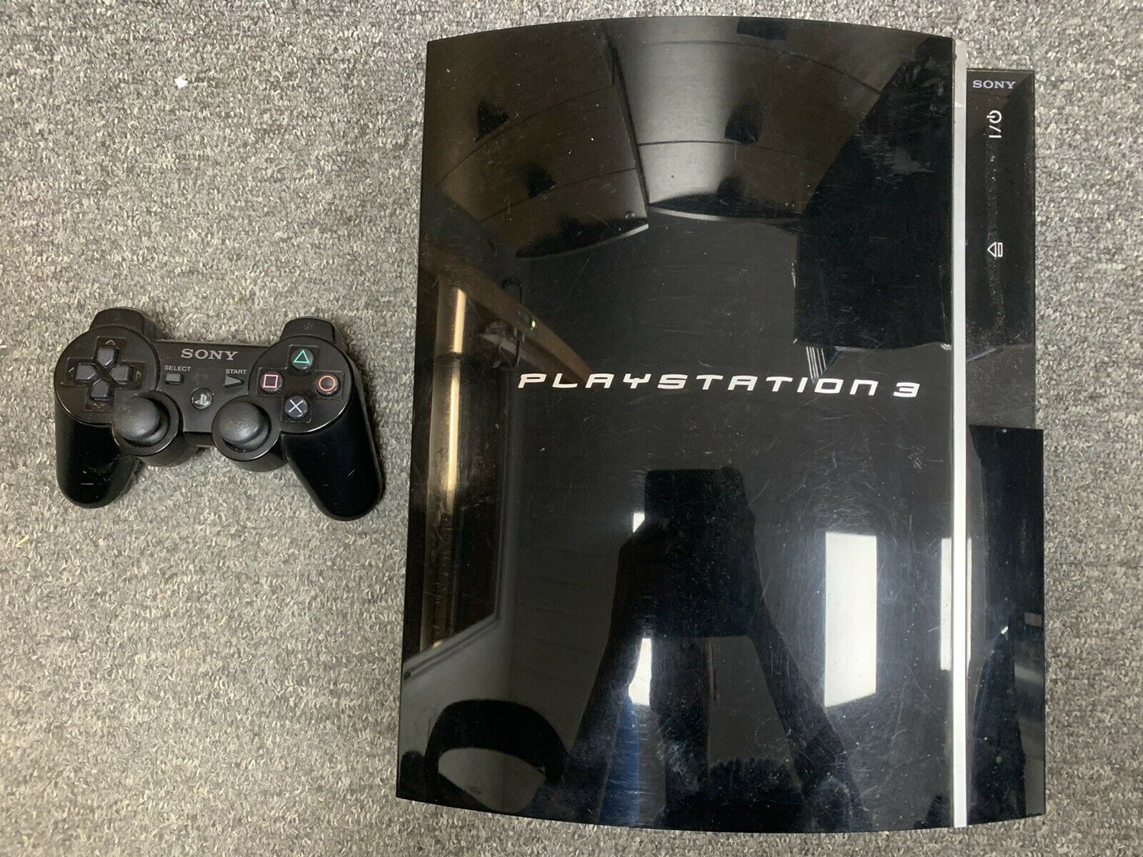 PlayStation 3 PS3 Console w/UK Power Supply, HDMI Cable & Controller CECHJ03