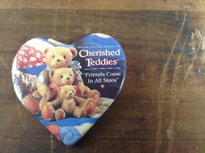 Vintage-Cherished-Teddies-Heart-Shaped-Button-Pin-Friends-Come-In-All-Sizes-Bear