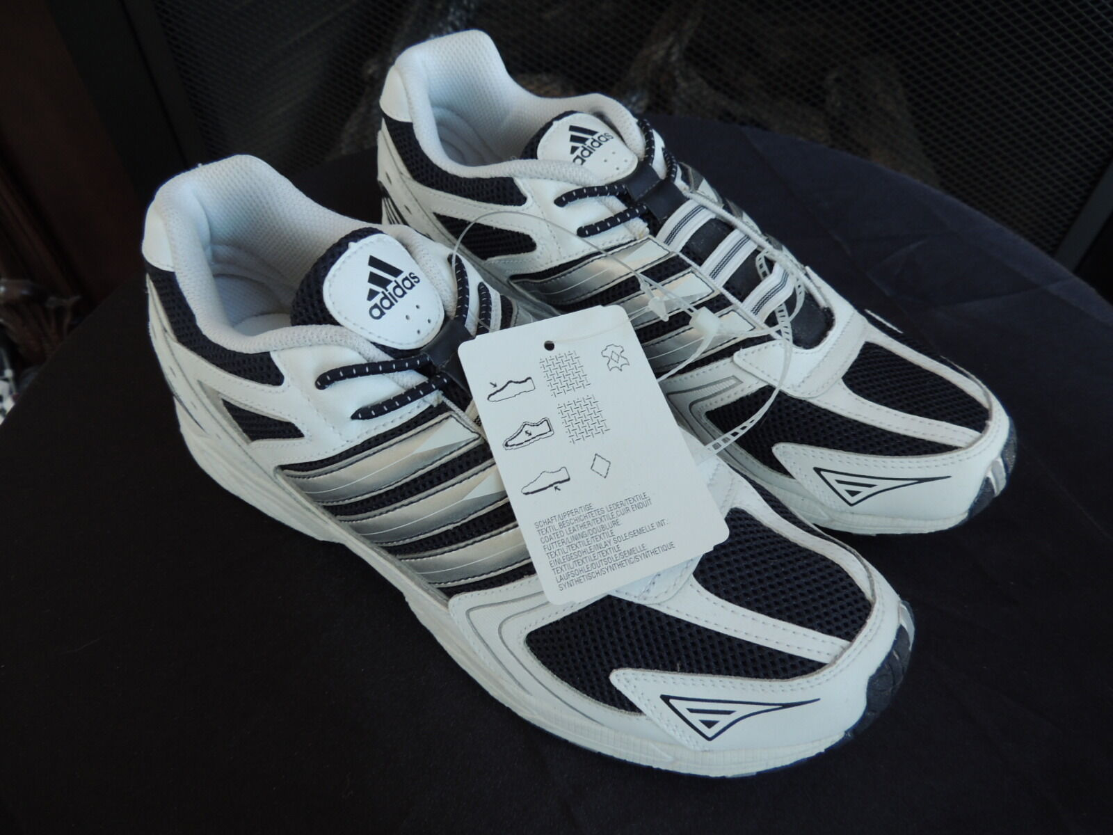 Mens Size 7 Genuine  ADIDAS  adiRun AC K Leather Running   Course shoes NWT