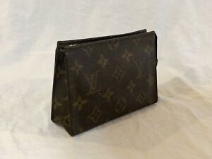 55346a30caf7 Image is loading Louis-Vuitton-Toiletry-Pouch-15-Authentic-Cosmetic-Case-