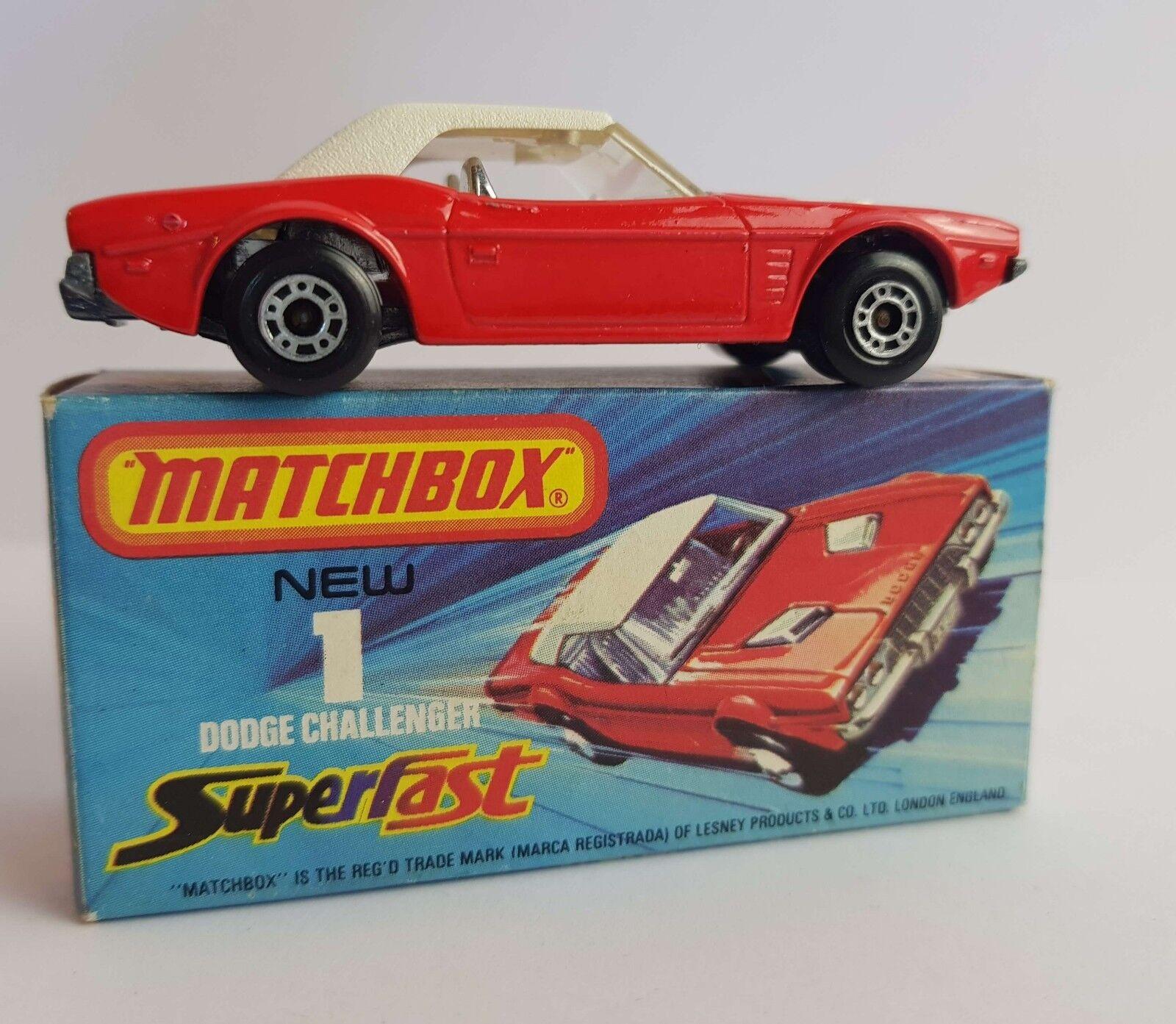 MATCHBOX SUPERFAST 1 C Dodge Challenger Rouge Blanc RARE Dot-Dash roues Dans Box