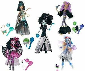 Monster High Ghouls Rule 5 Dolls Lot Abbey Clawdeen Cleo Draculaura Frankie Ebay
