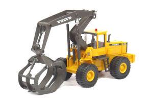 Cararama-561-001-Volvo-L180C-Log-Grapple-1-50-MIB-New