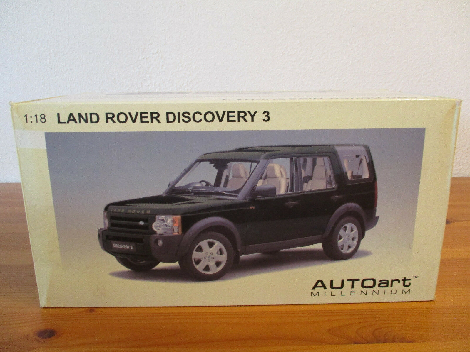Gor   1:18 Autoart Land Rover Discovery 3 2005 Conf. Orig. 582f06