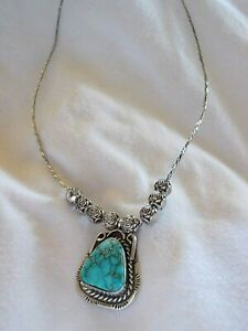 Vintage-Native-American-Navajo-Sterling-Silver-Necklace-and-Turquoise-Pendant