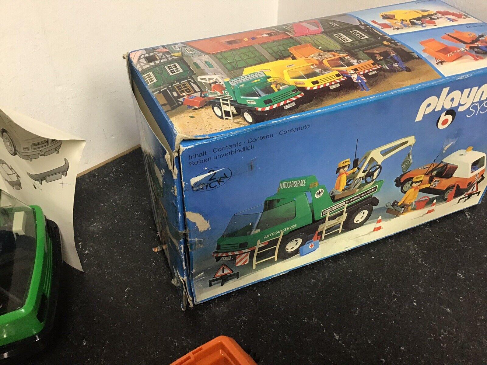 3473 Abschleppwagen Mit Pkw Und Zubehör In Tüten Im Karton