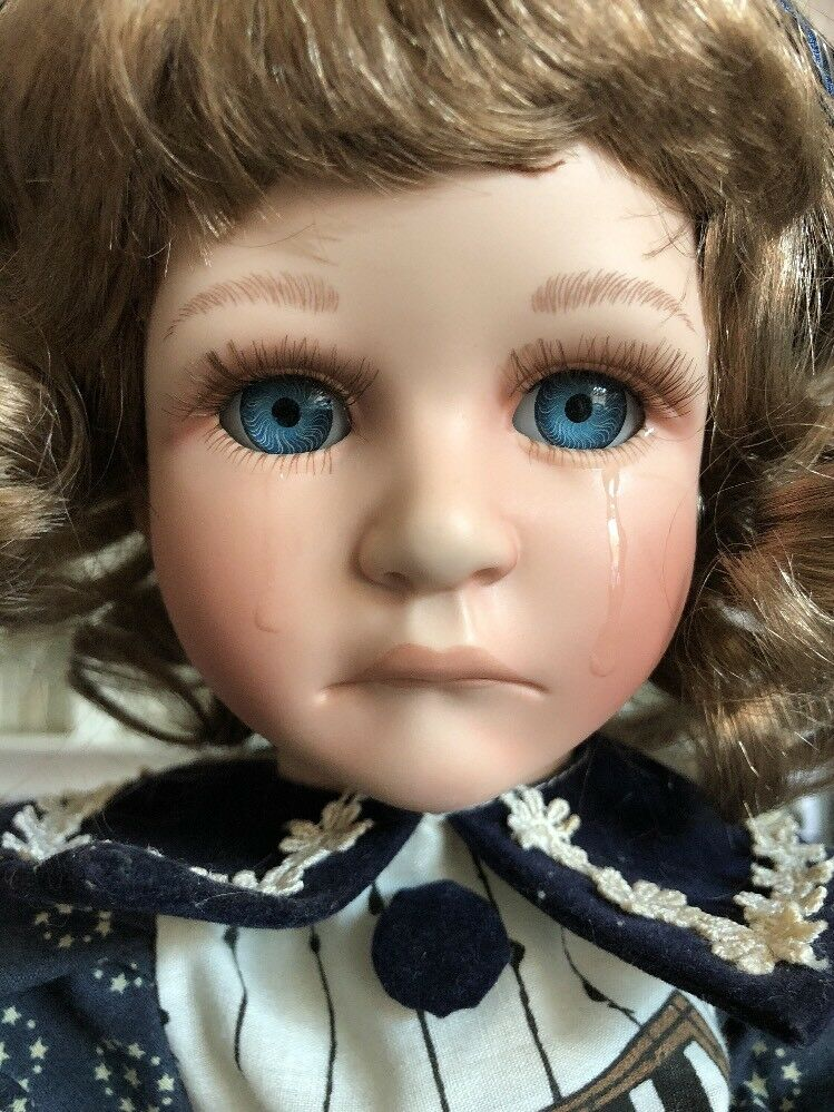 Creepy Doll Crying Sad Holding Ripped Off Doll Head Porcelain Broadway Collectio