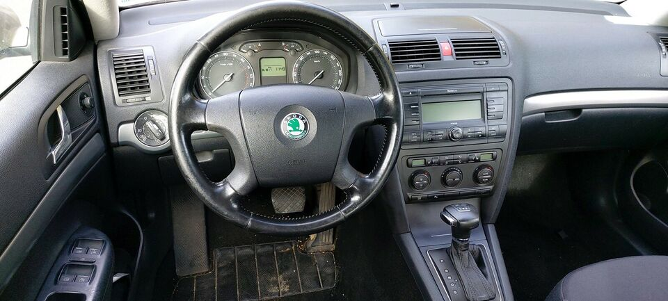 Skoda Octavia, 2,0 TDi Elegance Combi DSG, Diesel