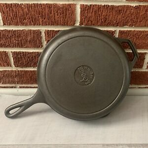"""Lodge Pre-Seasoned Cast Iron Skillet With Assist Handle, 10.25"""" Black .99 No Res"""