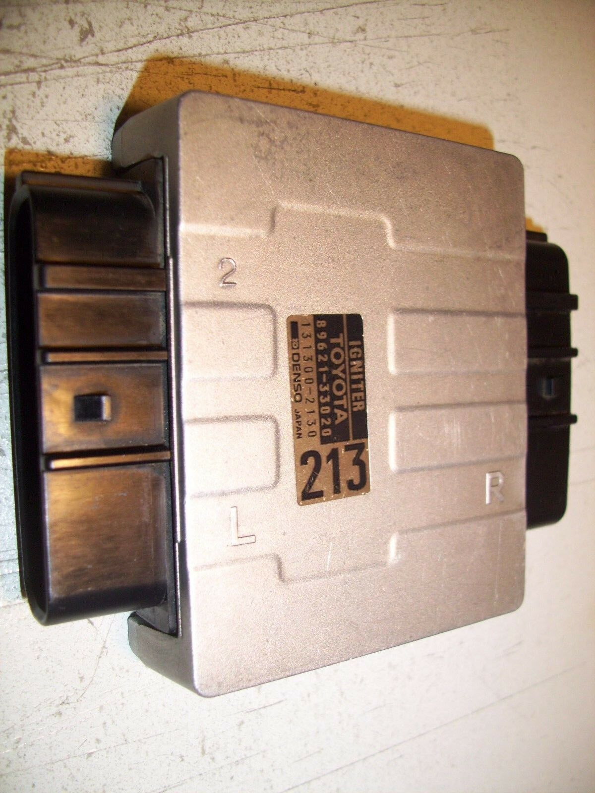 1995 TOYOTA Camry Igniter Module OEM 89621-33020 #9376