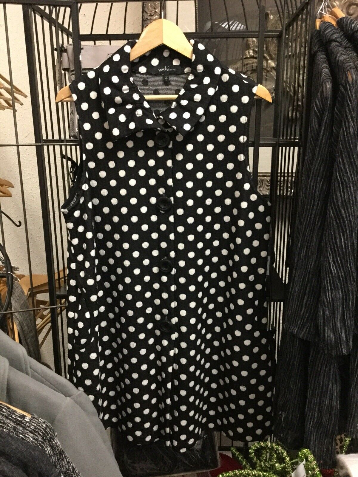 Yushi Long Dot Vest Large