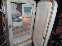 WORKING Vintage Westinghouse Refrigerator W/Freezer 1940s Appliance MODEL # M6