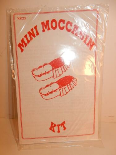 VINTAGE SHOE INDIAN SOUVENIR TINY DOLL MOCCASIN PATTERN TOY NOVELTY KIT TO MAKE