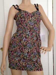 118842441ce Image is loading NWT-119-BCBG-BCBGENERATION-Bustier-Style-Floral-Above-