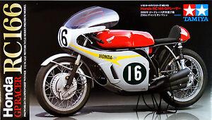 Tamiya-14113-Honda-RC166-GP-Racer-1-12-scale-kit