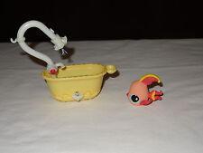 Littlest Pet Shop LPS Yellow Bathtub #643 Pink Yellow Angel Fish Blue Eyes