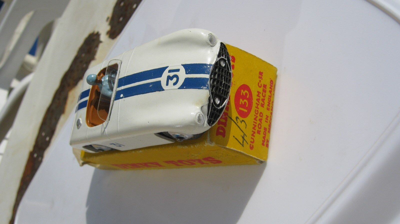 DINKY 133 CUNNINGHAM C-5R ROAD RACER ORIGINAL GOOD CAR IN GOOD ORIGINAL BOX