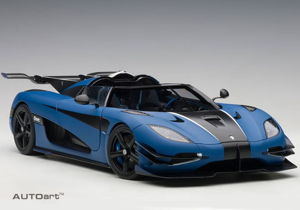 Koenigsegg ONE 1 Matt Imperial Bleu & Noir De Carbone 1 18 Autoart 79018 NEW IN BOX