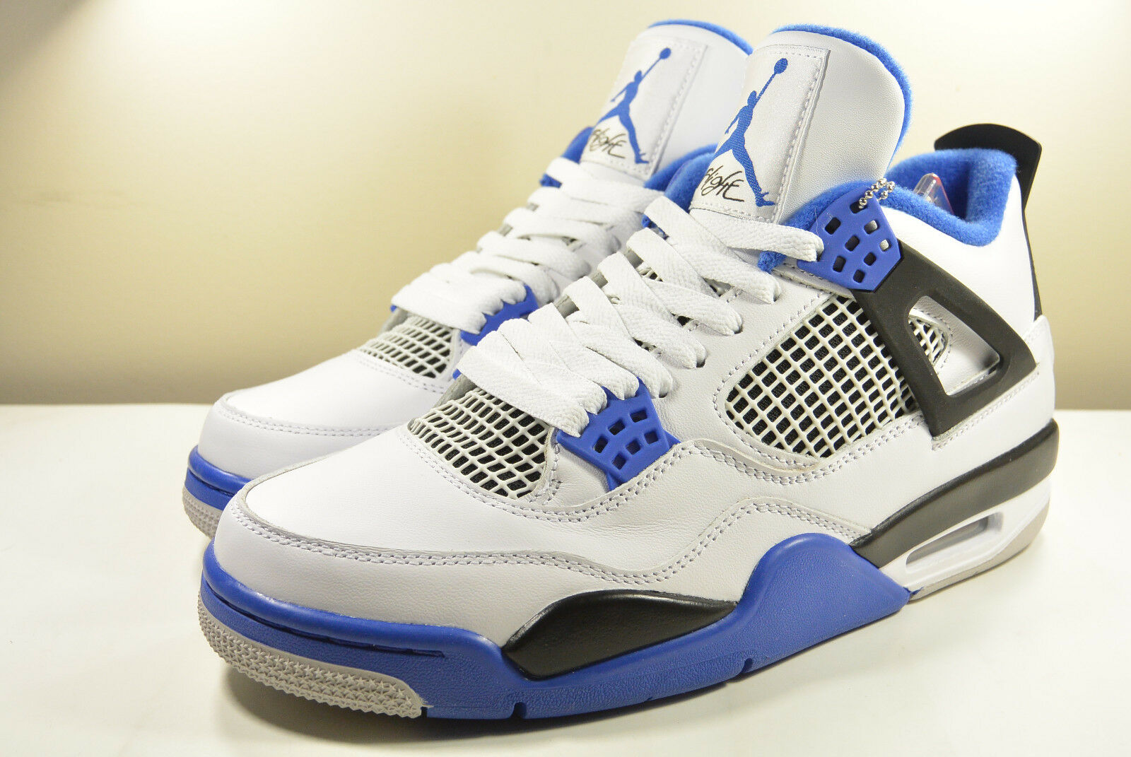 DS NIKE 2017 AIR JORDAN IV WHITE MOTORSPORT ROYAL 8, 8.5, 13 I III V VI XI XIII