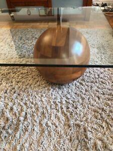 table de salon ligne roset en verre et bois 50 cm de hauteur