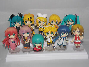 Vocaloid-Hatsune-Miku-Japanese-Anime-Figures-6cm-Boxed-CHN-Ver-3-NEW
