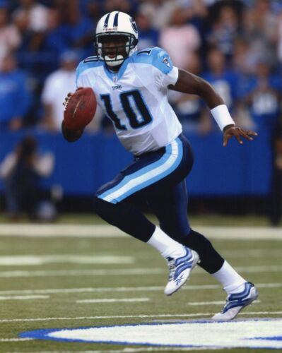 VINCE YOUNG TENNESSEE TITANS 8X10 SPORTS PHOTO #2