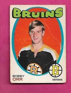 1971-72-OPC-100-BRUINS-BOBBY-ORR-CREASED-CARD-INV-J0138