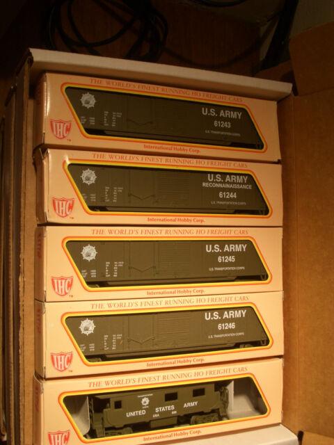 HO  IHC US ARMY TRAIN SET US ARMY 4 BOX CARS & CABOOSE  FOUR ROAD # BBM-1009 USA