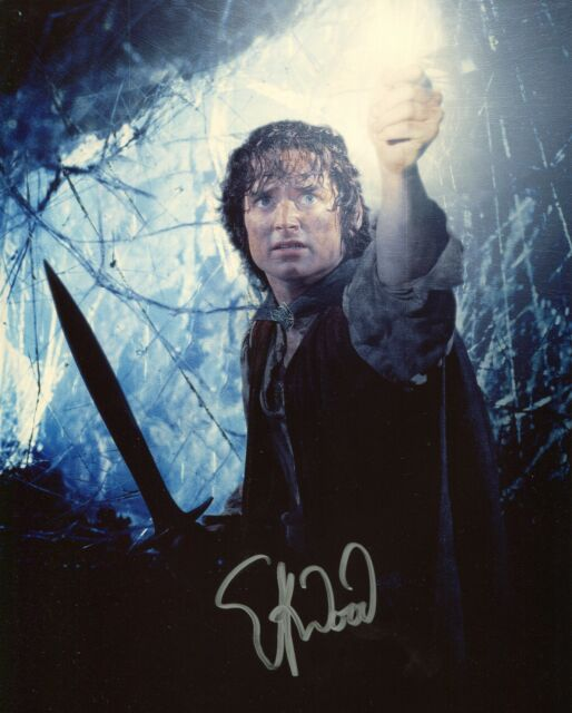 Elijah wood Signed Lord of the Rings Photo as 'Frodo' With Fanexpo COA + proof.