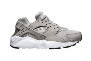1eee1c9f9b6385 Image is loading Nike-Kids-Air-Huarache-Run-Fashion-Sneakers