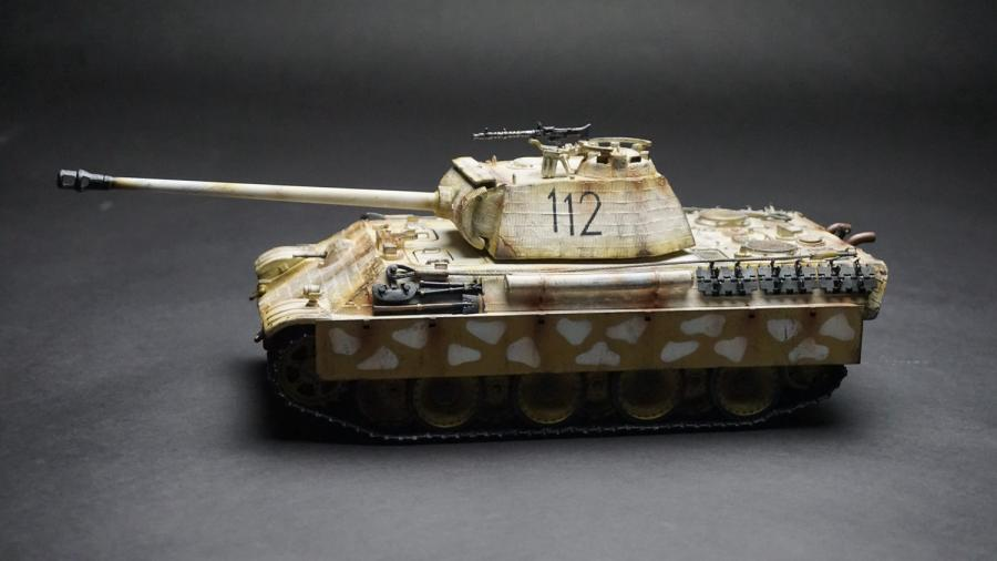 Figarti Miniatures ETG-017 German Panther G with Zimmerit (winter Version)
